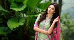 Why Mahira Khan is a Serious Threat to Bollywood Divas out there