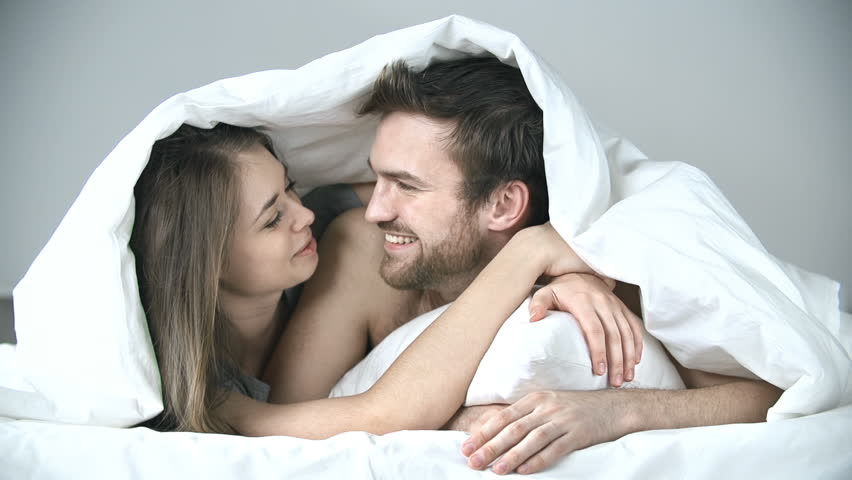 Wallpaper Love couple Bed : If A Guy Has These 16 Habits, Marry Him Right Now! Born Realist