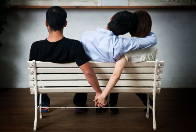 Psychologists Claim This 5 Seconds Trick Will Determine If Your Partner Is Cheating | Born Realist