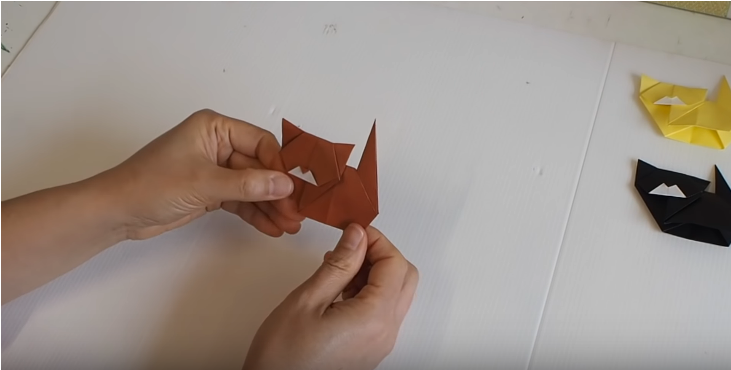 Step 9: Your cute origami cat is ready!